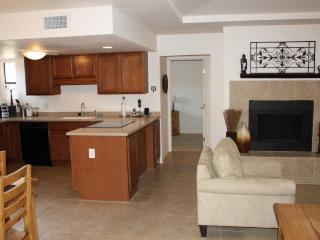 Charming 2BR/2BA ground floor Ventana Vista Condo! - Tucson vacation rentals
