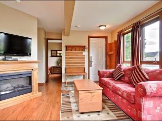 Beautiful Hardwood Floors - Inviting Furnishings and Decor (6036) - Mont Tremblant vacation rentals