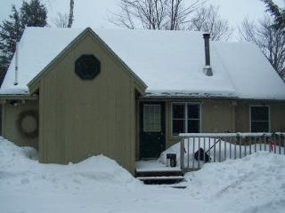 #202 Relax in your four season Moosehead Lake Vacation Rental - Maine Highlands vacation rentals