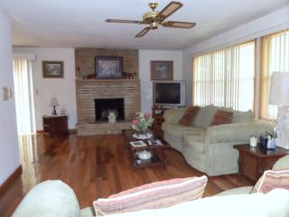 Waltz Inn - Hardy vacation rentals