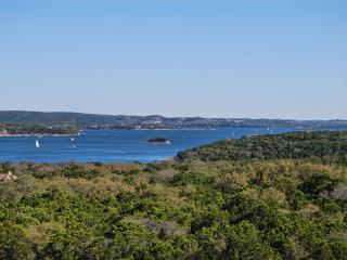 LAKE TRAVIS Updated Villa with Beautiful Lake View - Jonestown vacation rentals