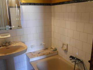Private Chalet and Walking Distance to the Beach - A Coruna Province vacation rentals