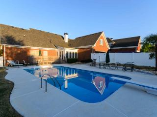 Stunning 5 BDR,POOL,Sleeps 10 - Conyers vacation rentals