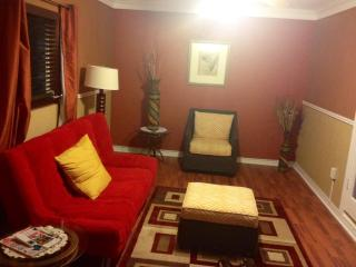 Beautifully Decorated Tropical Escape in the heart - Freeport vacation rentals