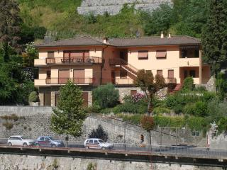 Beautiful apartment in modern villa with magnificent view - Bagni Di Lucca vacation rentals