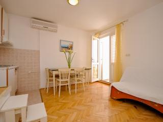 Apartments and Rooms Nikola - 45181-A6 - Omis vacation rentals