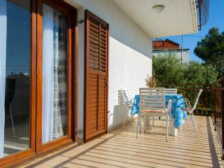 Apartments Marinko - 45701-A3 - Okrug Gornji vacation rentals