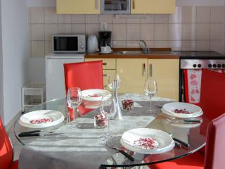 Apartments Marinko - 45701-A4 - Okrug Gornji vacation rentals