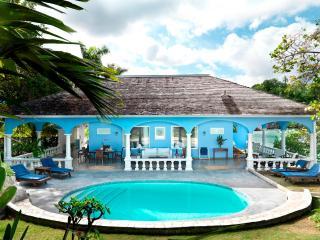 PARADISE PJI - 138823 - BEACHFRONT - WHITE SUITE - Ocho Rios vacation rentals