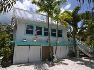Sail Away Cottage - Bradenton Beach vacation rentals