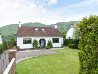 TILLY COTTAGE, hill views, ground floor bed, en-suite, hill views, Tillycoultry Ref 912868 - Tillicoultry vacation rentals