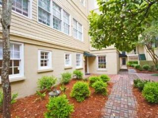 1005: 1852 Intimate Retreat - Savannah vacation rentals