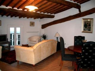 Apartment del Toro sitting room - Apartment del Toro from Destination Lucca - Lucca - rentals