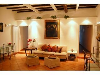Carrozze Stylish Apartment - Rome vacation rentals