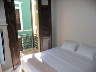 King Size Bed - Old San Juan Calle San Sebastian #309 - San Juan - rentals