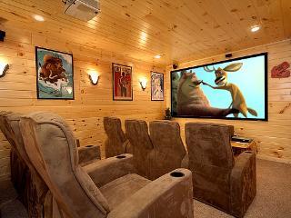Theatre Mountain Lodge - Gatlinburg vacation rentals