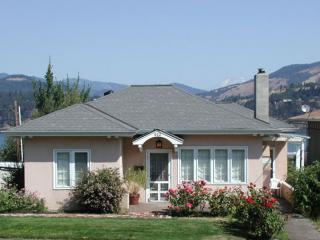 Villa Rosa Home - Villa Rosa - Hood River Hideaways, River/Mt Views - Hood River - rentals