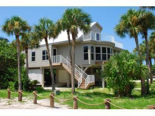 280exterior3 - Palm Court - 3BR/3BA - Sleeps up to 8 People - Captiva Island - rentals