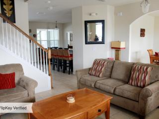 Colonial type Villa in a beautiful setting. - Poinciana vacation rentals