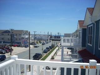 Beach Block Condo-North Wilwood - North Wildwood vacation rentals