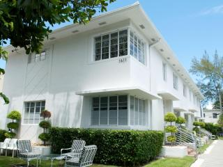 1BR South Beach Suite at Lincoln Rd PARKING & WIFI - Miami Beach vacation rentals