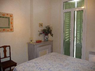 SIMPLY THE BEST LOCATION IN CANNES - CLASSIC BLDG. - Cannes vacation rentals