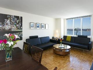 Deluxe: 3 Bedroom Midtown, Walk to Times Square - New York City vacation rentals