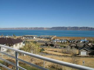 2 bedroom Condo Overlooking Bear Lake,Utah - Garden City vacation rentals