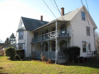 Spacious Sunny 2 Bedroom on Martha's Vineyard - Vineyard Haven vacation rentals