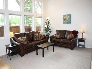 Bright new condo - Near downtown, lake and parks! - Sandpoint vacation rentals