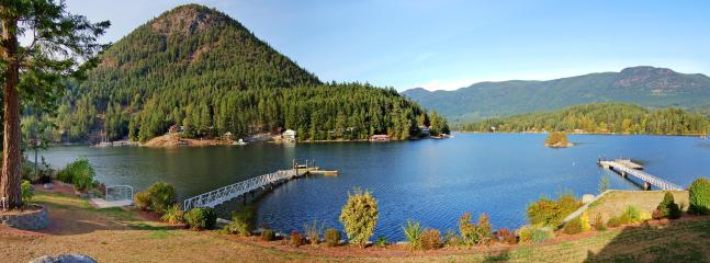 Situated across from picturesque Mt Daniel on serene Oyster Bay in stunning, natural Pender Harbour - Oyster Bay Waterfront Retreat - a vacation estate - Madeira Park - rentals