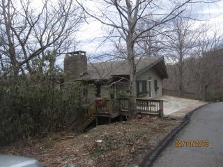 Grandfather Mountain view! Close to Parkway - Blowing Rock vacation rentals