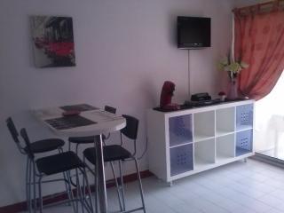 studio cabine rdc 2mn plage 4 pers - La Grande-Motte vacation rentals