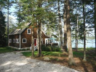 Charming Boothbay Harbor Waterfront Cottage - Boothbay vacation rentals