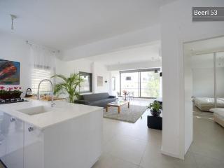 Kikar Hamedina Amazing Apartment!! - Tel Aviv vacation rentals