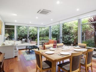 Melbourne Boutique Cottages - Kerferd Luxury Home - Melbourne vacation rentals