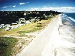 Island View Family Holiday Park - Image 1 - Opotiki - rentals