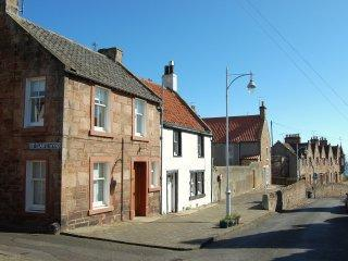 Lovely cottage paces from Crail Harbour!! - Image 1 - Crail - rentals