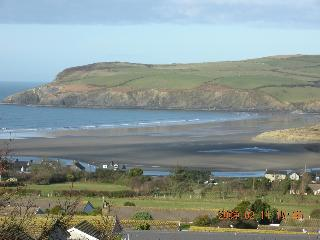 Cottages for 2 in LARGE GROUNDS / FANTASTIC VIEWS. - Dinas Cross vacation rentals