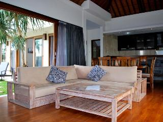 Villa Arena: Affordable 3 Bedroom Villa With Pool - Canggu vacation rentals