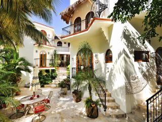 VILLA ALCANZAR - Playa del Carmen vacation rentals