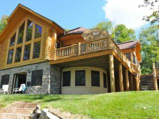 Tree House - Laurentian mountain winter haven - Mont Tremblant vacation rentals