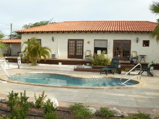 Rooi Santo - Oranjestad vacation rentals