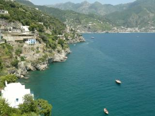 Holiday apartment with  balcony and parking - Ravello vacation rentals