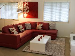 McConaghy St - Popular 3br family home, Mitchelton - Brisbane vacation rentals