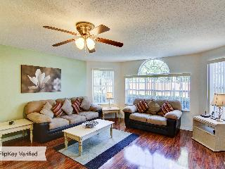Refurbished Disney Home with WiFi, Pool &Air Cond: - Kissimmee vacation rentals