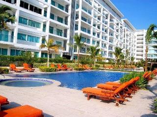 Amazing Beach Apartment In Cartagena  **Sleeps 5 - New York City vacation rentals