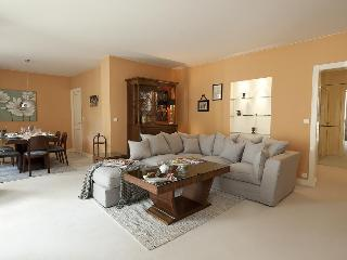 Luxury Paris Rental Sleeps 6 - Paris vacation rentals