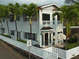 Alii Hale Beautiful home w/beach across the street - Kailua-Kona vacation rentals