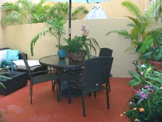 Colonial Bldg- 2Bd LOFT Old SJ w/Private Patios! - San Juan vacation rentals